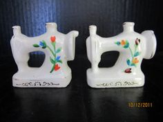 Sewing Machine Salt and Pepper Shakers by ShakerGirl on Etsy, $10.00
