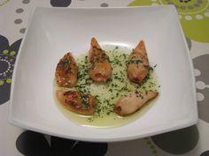 Chipirones a la plancha con salsa verde http://recetasparacocinillas.blogspot.com/2014/12/chipirones-la-plancha-con-salsa-verde.html