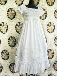 Victorian Maiden / One Piece / Lace Ribbon Nightdress