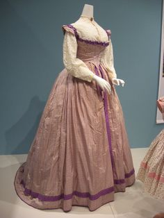2012-08-25 KSMF - Purple silk windowpane  taffeta bodice and skirt (American), circa 1860.