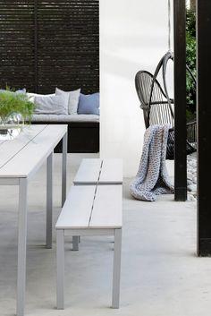 what is rooftop gardening Diy Garden Furniture, Outdoor Furniture Sets, Fresco, Modern Outdoor Living, Starter Home, Outdoor Spaces, Outdoor Decor, Summer Kitchen, Concrete Patio