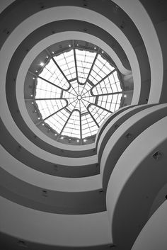 Guggenheim Museum - favorite part of spending the day in NYC with Kate.besides spending time with Kate. Museum Architecture, Organic Architecture, Art And Architecture, Architecture Details, Design Museum, Art Museum, Beautiful Buildings, Beautiful Places, Museums In Nyc