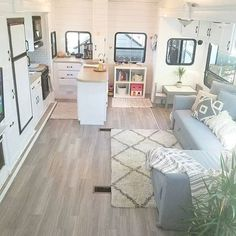 Urban Farmhouse Style in RV's, Trailers and Campers - RV Life Military Style Dining Booth, Rv Redo, Travel Trailer Remodel, Airstream Remodel, Rv Bathroom, Rv Homes, Trailer Decor, Rv Interior, Trailer Interior
