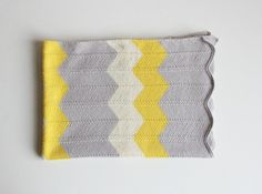 """Easy to knit, this chevron baby blanket """"Emma"""" in white, grey and yellow colors will be an ideal for the little girl or with your choise of colors and for the little boy."""