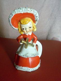 VINTAGE-CHRISTMAS-BELL-GIRL-HOLDING-GOLD-CROSS-FIGURINE-JAPAN-KREISS