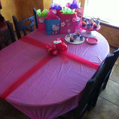 Birthday party center piece
