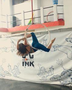 """Renata Pinal on Instagram: """"New sequence in progress #CircoZephyr #monkywraps #monkysummer #monkywear #circo #circus #circusschool#lyra #circusaroundtheworld…"""""""