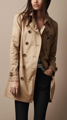 brit short gabardine trench This is Buberry Brand, Like this, visit the following website to find more items you want.