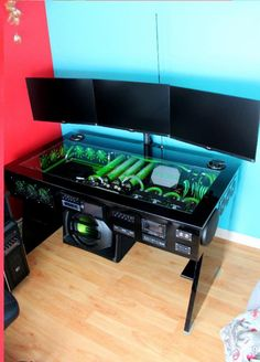 Find a gaming computer desks with our comprehensive guide, includes ratings, prices, pictures and more. Compare gaming desk that are meant for gamers. Computer Gaming Room, Computer Build, Computer Setup, Computer Case, Gaming Pc Build, Gaming Room Setup, Pc Setup, Desk Pc Build, Pc Cases