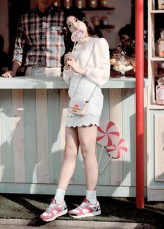 let's go see the stars. Iu Fashion, Asian Fashion, Fashion Design, Song Jae Rim, Pop Photos, Fashion Photography Inspiration, Insta Photo Ideas, Korean Star, Korean Celebrities