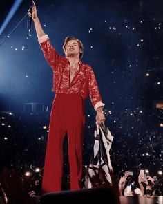 Harry Styles Concert, Harry Styles Live, Harry Styles Pictures, Harry Edward Styles, Watermelon Guy, Chicago At Night, Chicago Tours, Harry Styles Wallpaper, Fashion Pictures