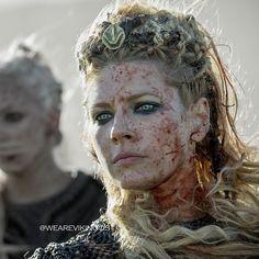 """Lagertha (Katheryn Winnick) in Vikings Season 5 [x] "" - via Drogons Vikings Season 5, Vikings Show, Vikings Tv, Lagertha Hair, Vikings Lagertha, Ragnar Lothbrok, Viking Life, Viking Warrior, Viking Woman"