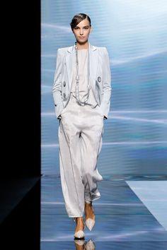 Fashion Milan, Runway Fashion, Fashion News, Fashion Show, Fashion Looks, Giorgio Armani, Fashion Over 50, Live Fashion, Vogue Ukraine