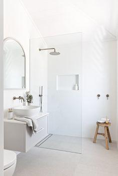 Home Interior Salas .Home Interior Salas Bad Inspiration, Bathroom Inspiration, Garden Deco, Shower Remodel, Beautiful Bathrooms, Bathroom Interior, Paris Bathroom, 1950s Bathroom, Small Bathroom