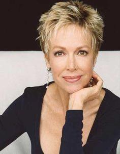Messy Short Blonde Hair for Women Over 50