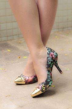 Sapato estampado e convidado especial no Look da Semana