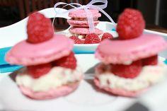 Macarons with Raspberry Macarons, Raspberry, Desserts, Food, Tailgate Desserts, Deserts, Essen, Macaroons, Postres