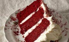 Veja como fazer o famoso bolo de veludo vermelho