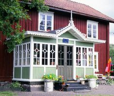 Swedish Cottage, Red Cottage, House With Porch, My House, Patio Screen Enclosure, Screened Porch Designs, Victorian Porch, Sweden House, Red Houses