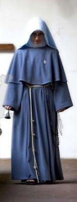 http://liturgia.mforos.com/1699114/8025375-habitos-religiosos-femeninos/