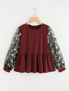 SheIn offers Floral Embroidered Lace Panel Frill Sweatshirt & more to fit your fashionable needs. Source by - Hijab Fashion, Girl Fashion, Fashion Dresses, Blouse Styles, Blouse Designs, Pretty Outfits, Cool Outfits, Casual Dresses, Girls Dresses