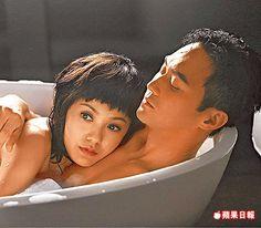 郭采潔(左)在電影《衝上雲霄》中和張智霖浪漫談情。