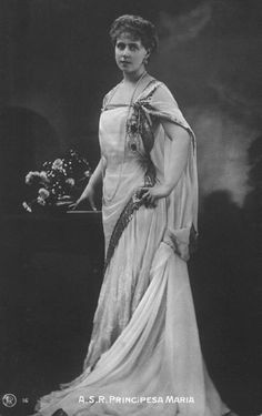 Queen Marie of Romania wearing a Greek-style dress Romanian Royal Family, Romanian Girls, Going Away Dress, Maud Of Wales, Queen Victoria Family, Old King, Vintage Photos Women, Victorian Life, Royal Dresses