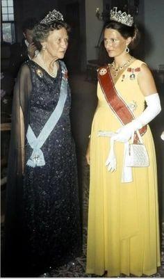 An older Princess Margaretha wearing the loop tiara, alongside a pregnant Queen Sonja of Norway