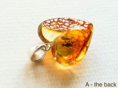 flat round shape amber pendant with silver unique high quality amber untreated amber small charm Royal chiny cognac natural amber pendant