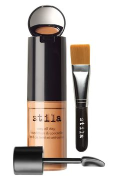 This stila set contains foundation, concealer, a hidden mirror and a brush all-in-one for flawless makeup application.