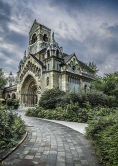 From Musetouch Visual Arts Magazine: Beautiful Places.Ják church (Vajdahunyad Castle, Budapest, Hungary), photo by Domingo Leiva, dleiva via Fivehundredpx. Beautiful Castles, Beautiful Buildings, Beautiful Places, Photo Chateau, Château Fort, Famous Castles, Belle Villa, Old Churches, Place Of Worship