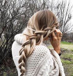 waterfall braid | side braid | long hairstyle | with hair extensions | highlight | simple | easy | blonde
