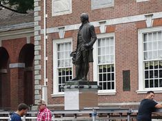 In July of we traveled to Philadelphia, and unfortunately did not get a chance to go inside Independence Hall, but we were able to visit outside of the building. It was surreal walk on the same streets and experience the building that our founding Declaration Of Independence Quotes, Independence Images, Independence Hall, World History Teaching, World History Lessons, Native American History, American Civil War