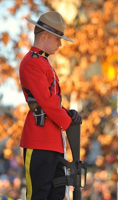 We shouldn't only obey our parents, we should obey other people who have authority. The RCMP work hard to protect everyone in Canada and this is why we should obey them. Canadian Things, I Am Canadian, Canadian History, Canada Eh, Ottawa Canada, All About Canada, Ottawa Ontario, Lest We Forget, Remembrance Day