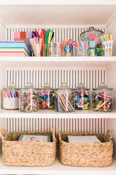 My Craft Closet My kids LOVE to color and be creative. I've always tried to keep a good supply do crafts in the house so they have some creative time. Now more than ever, kids need creative time being out of school and mama needs a little break! Toy Rooms, Craft Organization, School Room Organization, Organizing Crafts, Stationary Organization, Bathroom Organization, Space Crafts, Craft Space, Classroom Decor