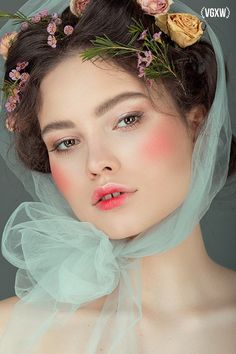 beauty Flowers editorial VGXW Magazine Beauty Editorial: Soft as Flowers Beau Editorial Makeup Beau beauty editorial flowers Magazine SOFT VGXW Creative Portraits, Creative Photography, Portrait Photography, Editorial Hair, Beauty Editorial, Flower Makeup, Beauty Tips For Women, Anna, Beauty Shoot