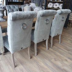 Kloostertafel landelijk 8 stoelen gecappituneerd houten
