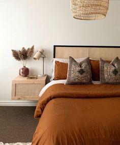 La collezione primaverile 2020 di H&M Home Bedroom Inspo, Home Decor Bedroom, Warm Bedroom, Modern Bedroom, Twin Xl Bedding, Minimalist Home Interior, New Room, Cheap Home Decor, Home Decor Inspiration