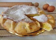 Questa è una deliziosa ricetta della Sardegna. Le Pardulas sono un tipico dolce di Pasqua, a seconda delle zone. Sono buonissime e vengono preparate con una base di ricotta o formaggio. Io ho voluto provare questa versione torta e il risultato è stato soddisfacente.