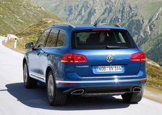 Cool Volkswagen 2017: Touareg vue de derrière #Volkswagen #touareg #voitures #car... Car24 - World Bayers