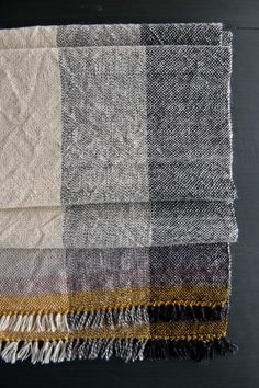 Field Scarf -- tutorial and weaving pattern for rigid heddle loom Weaving Textiles, Weaving Patterns, Tapestry Weaving, Scarf Patterns, Loom Weaving, Hand Weaving, Cricket Loom, Loom Scarf, Peg Loom