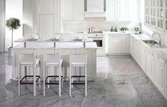 #Viscont #White #Granit #Arbeitsplatten mit passendem Boden - was für eine Traum Küche. Ein Meisterwerk von Mutter Natur. http://www.granit-arbeitsplatten.com/Viscont-White-granit-arbeitsplatten-Viscont-White