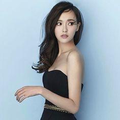 "22 Likes, 1 Comments - 唐嫣 (Tiffany tang) (@tangyannn1206) on Instagram: ""唐嫣 @tangyan1206 #唐嫣 #tangyan #tiffanytang #糖糖 #style #blackdress #actress #pretty"""