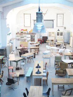 Köln hat einen neuen, ganz tollen und besonderen Laden. Wo bei Laden es mal wieder nicht trifft, denn die Location, in der Exquisit sich befindet ist einer alten Industriehalle mitten im Kölner Hot…