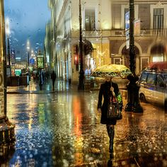 Just like these lovely rainy day photographs by French photographer Yodamanu, St. Petersburg-based photographer Eduard Gordeev captures gorgeous pictures of rain-soaked city scenes that resemble paintings. Cityscape Photography, Photography Words, Street Photography, Autumn Photography, Walking In The Rain, Singing In The Rain, Rainy Night, Rainy Days, City Rain
