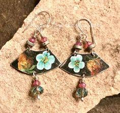 Repurposed tin charm earrings by markazoart Artisan Jewelry, Handcrafted Jewelry, Handmade Items, Jewelry Crafts, Drop Earrings, Bracelets, Repurposed, Tin, Group