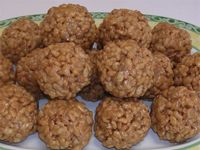 Great breakfast or snack... peanut butter protein balls.  Yum!