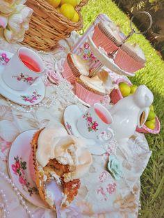 Sunny Days, Lemon, Cupcakes, Yard, Favorite Recipes, Sweets, Cookies, Baking, Desserts