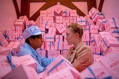 미장센과 아트웍 컬러감까지 기분좋은 삼박자 _ 그랜드부다페스트호텔(The Grand Budapest Hotel, 2014)