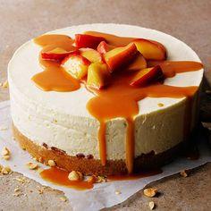 No-bake cheesecake med kolaäpplen No Bake Cheesecake, Swedish Recipes, Cooking Recipes, Healthy Recipes, Fika, Cheesecakes, Meal Planning, Deserts, Clean Eating